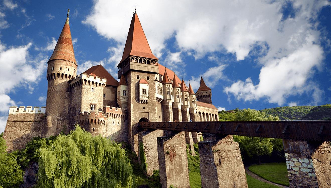 vampire-in-transylvania-corvinesti-masquerade